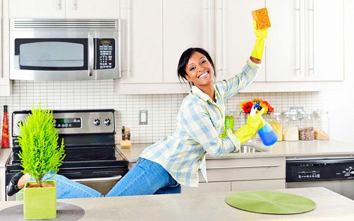 Как бороться с неприятным запахом в доме