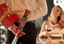 Как убедить мужчину делать подарки без повода?
