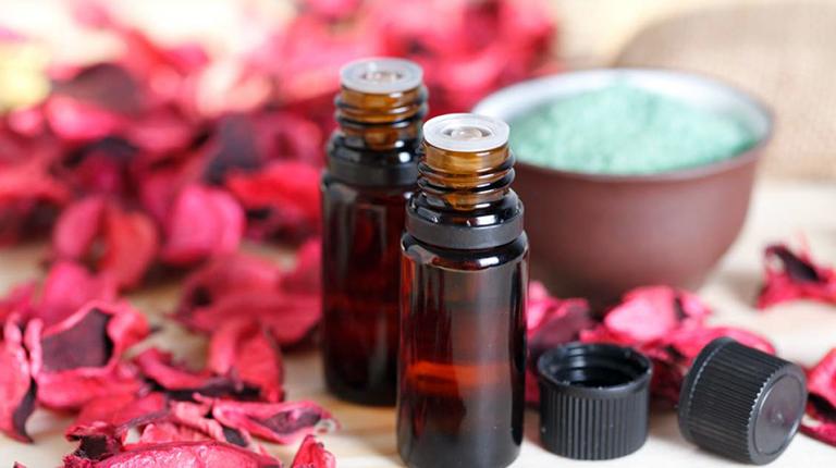 Эфирные масла для молодости и красоты