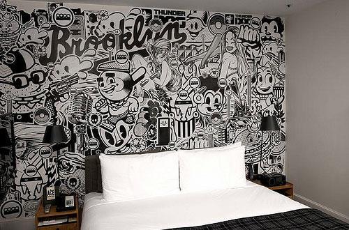 Граффити на стене в квартире