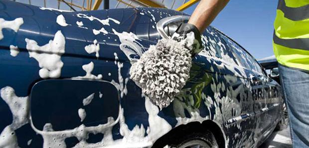 Как очистить кузов автомобиля от загрязнений различного происхождения