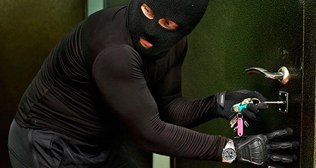 Как защитить квартиру от грабителей