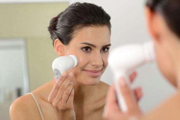 щетки для чистки кожи