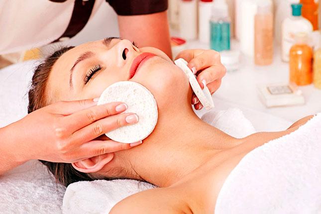 Салонные косметологические процедуры для сужения пор